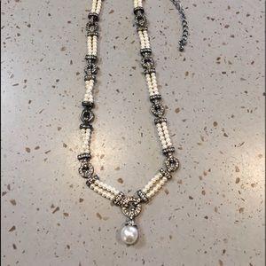 "Ladies 16"" costume pearl necklace"